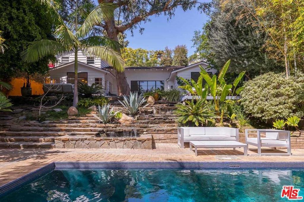 Photo for 8814 EVANVIEW Drive, Los Angeles , CA 90069 (MLS # 18333820)