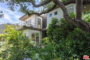Photo of 1727 BENEDICT CANYON Drive, Beverly Hills, CA 90210 (MLS # 18366826)