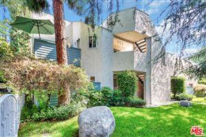 Photo of 18411 HATTERAS Street #106, Tarzana, CA 91356 (MLS # 19489826)