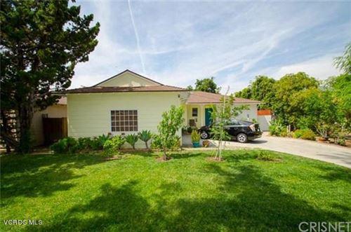 Photo of 15025 LEADWELL Street, Van Nuys, CA 91405 (MLS # 219011826)