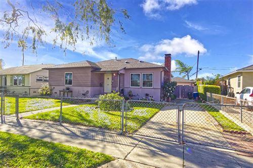 Photo of 555 South DOS CAMINOS Avenue, Ventura, CA 93003 (MLS # 220001830)