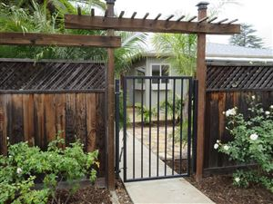 Photo of 25 LA CUMBRA Street, Oak View, CA 93022 (MLS # 217008831)