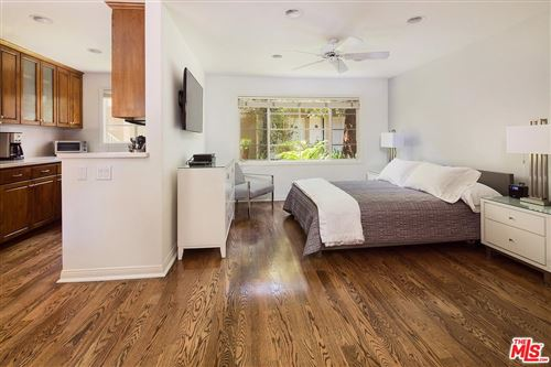 Photo of 135 MONTANA Avenue #Studio, Santa Monica, CA 90403 (MLS # 12594833)