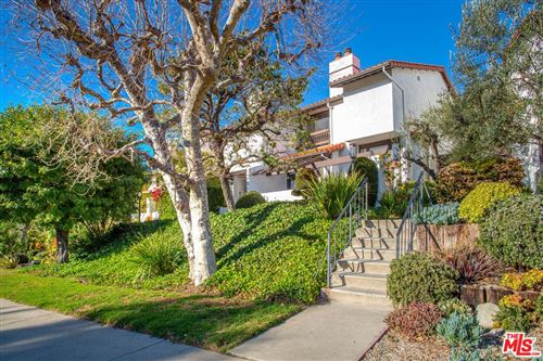 Photo of 1535 MICHAEL Lane, Pacific Palisades, CA 90272 (MLS # 20550834)