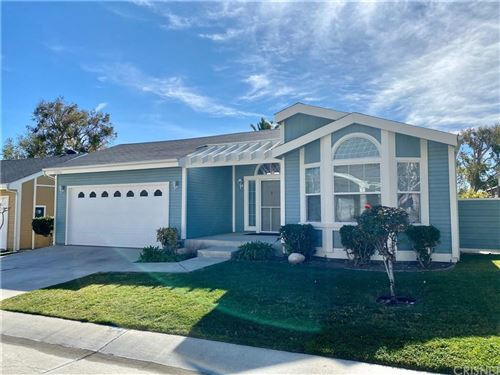 Photo of 19796 NORTHCLIFF Drive, Canyon Country, CA 91351 (MLS # SR20022836)