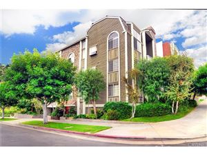 Photo of 1601 HILTS Avenue #4, Los Angeles , CA 90024 (MLS # SR17222839)