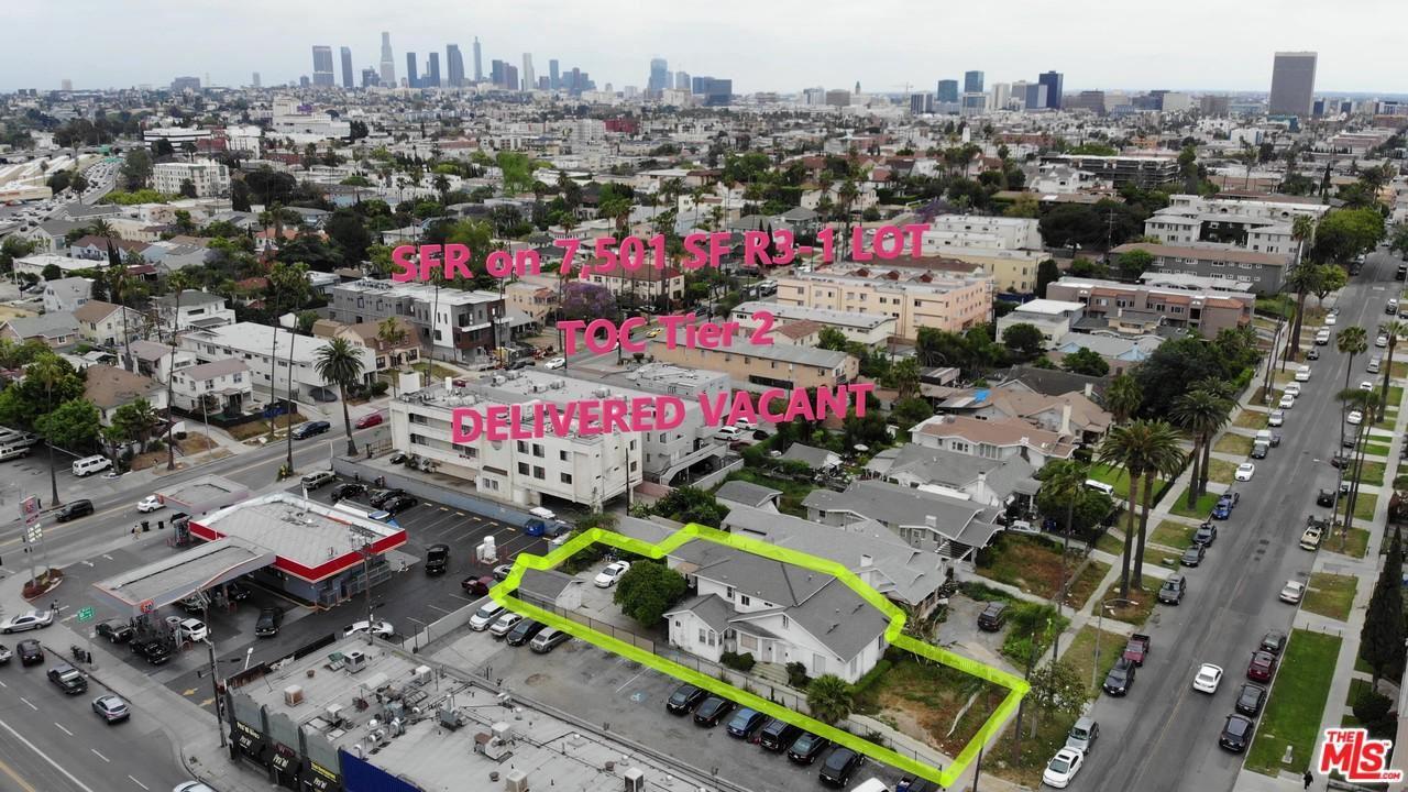Photo of 648 North ARDMORE Avenue, Los Angeles , CA 90004 (MLS # 20558844)