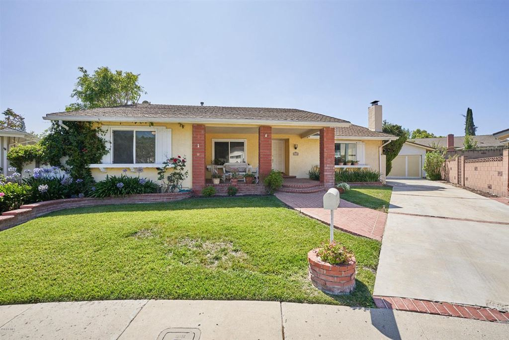Photo for 2712 North GRANVIA Place, Thousand Oaks, CA 91360 (MLS # 219009846)