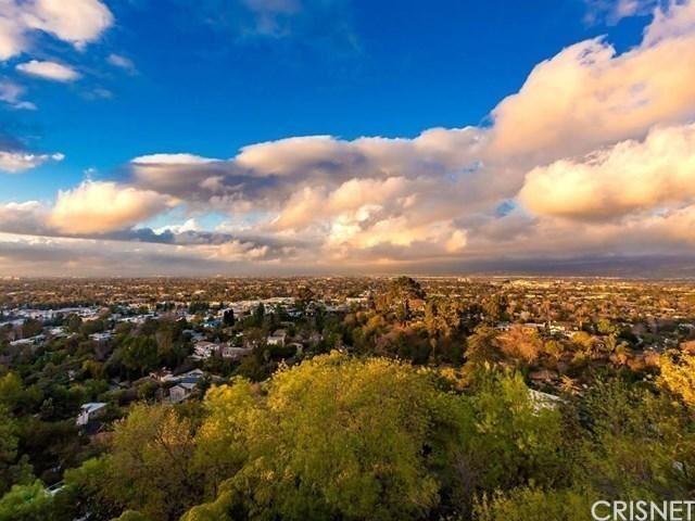 Photo of 3616 ROBERTS VIEW Place, Studio City, CA 91604 (MLS # SR20030848)