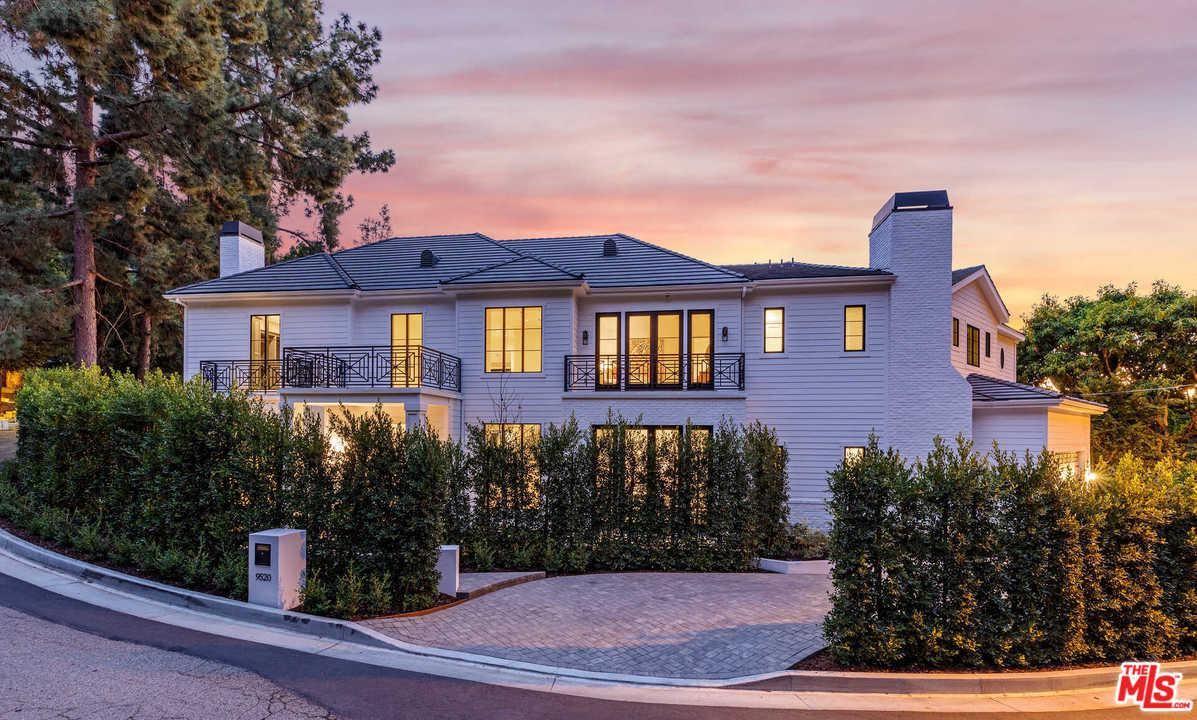 Photo of 9520 HIDDEN VALLEY Road, Beverly Hills, CA 90210 (MLS # 20547850)