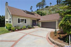 Photo of 2050 BUCKINGHAM Place, Glendale, CA 91206 (MLS # 318001852)