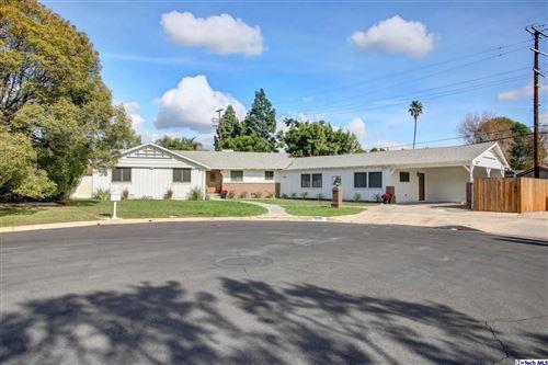 Photo of 19303 CITRONIA Street, Northridge, CA 91324 (MLS # 319004852)