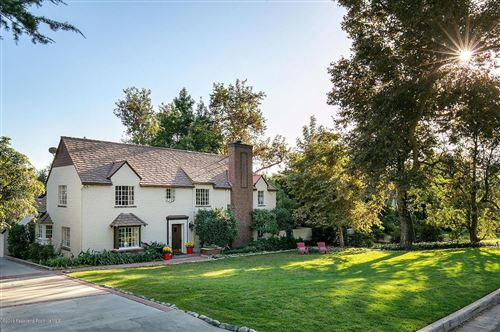 Photo of 1966 HOMEWOOD Drive, Altadena, CA 91001 (MLS # 819004854)