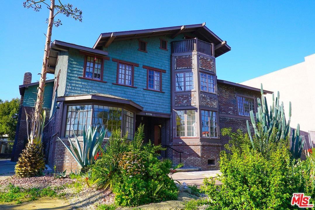 Photo of 2067 South HOBART, Los Angeles , CA 90018 (MLS # 20557854)