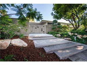 Photo of 16674 DEMARET Place, Granada Hills, CA 91344 (MLS # SR18200856)