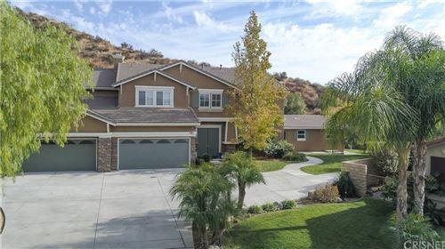 Photo of 30276 BARCELONA Road, Castaic, CA 91384 (MLS # SR19260856)