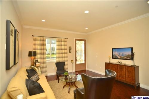Photo of 2597 North LINCOLN Street, Burbank, CA 91504 (MLS # 319004857)