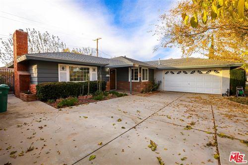 Photo of 44555 LOSTWOOD Avenue, Lancaster, CA 93534 (MLS # 19531858)