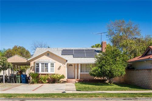 Photo of 917 DE GARMO Street, San Fernando, CA 91340 (MLS # SR20043858)