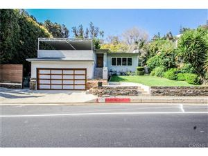 Photo of 1556 BENEDICT CANYON Drive, Beverly Hills, CA 90210 (MLS # SR18099859)