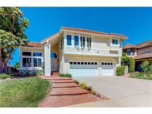 Photo of 3142 MONTAGNE Way, Thousand Oaks, CA 91362 (MLS # SR18227859)