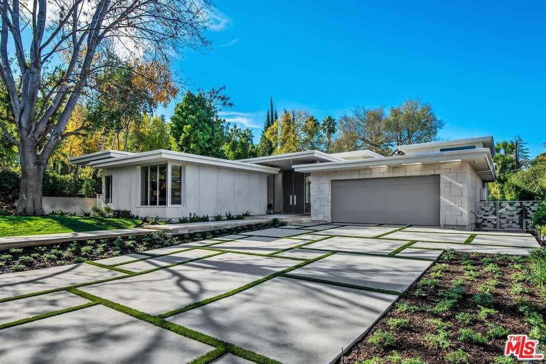 Photo of 4727 ALONZO Avenue, Encino, CA 91316 (MLS # 20545860)