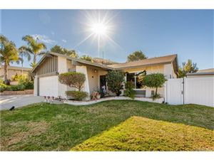 Photo of 819 MUIRFIELD Avenue, Simi Valley, CA 93065 (MLS # SR19008865)