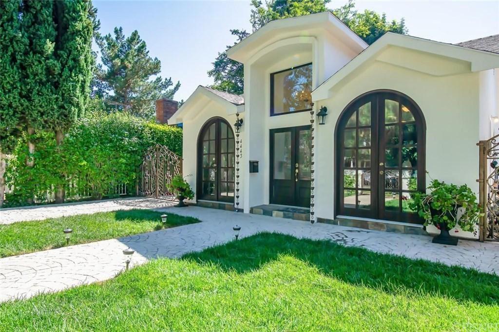 Photo for 4443 VESPER Avenue, Sherman Oaks, CA 91403 (MLS # SR19170865)
