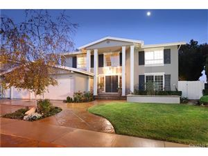 Photo of 6644 VICKIVIEW Drive, West Hills, CA 91307 (MLS # SR18295866)