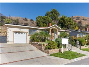 Photo of 7850 SHADYSPRING Drive, Burbank, CA 91504 (MLS # SR18286867)