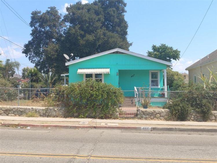 Photo for 447 North 12TH Street, Santa Paula, CA 93060 (MLS # 217010877)