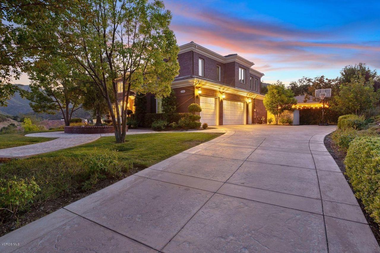 Photo of 2796 HEMINGSFORD Way, Thousand Oaks, CA 91361 (MLS # 220000878)