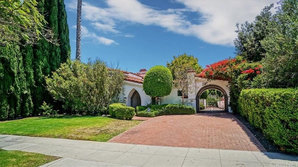 Photo for 110 North PALM Drive, Beverly Hills, CA 90210 (MLS # SR19170881)