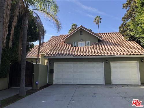 Photo of 1655 North OGDEN Drive, Los Angeles , CA 90046 (MLS # 19536884)