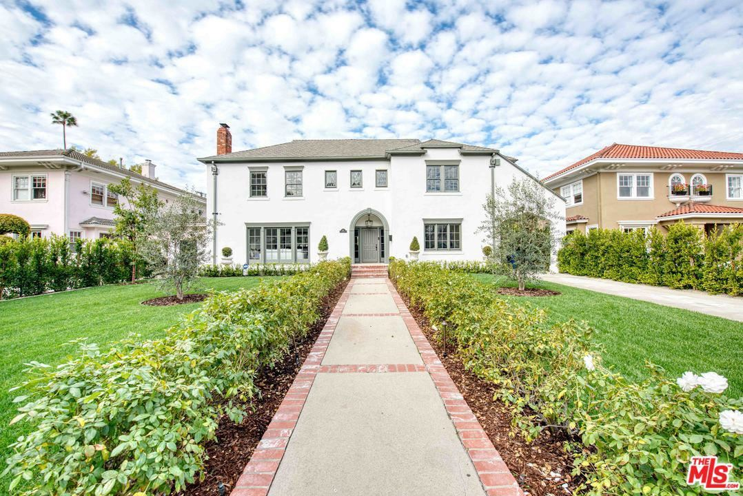 Photo of 311 South LUCERNE Boulevard, Los Angeles , CA 90020 (MLS # 20556888)