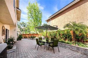 Photo of 690 COVEWOOD Street, Oak Park, CA 91377 (MLS # 219005891)