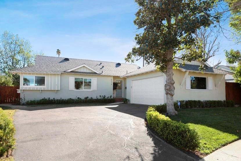 Photo of 6536 NEVADA Avenue, Woodland Hills, CA 91303 (MLS # SR20023891)