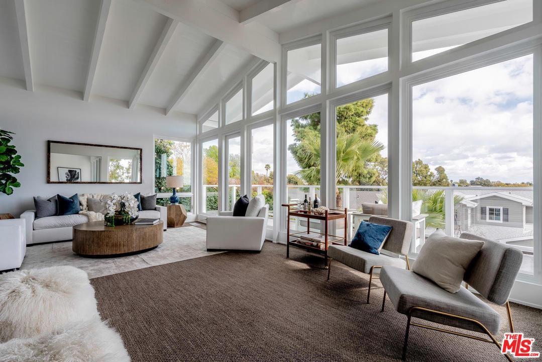 Photo of 833 LAS LOMAS Avenue, Pacific Palisades, CA 90272 (MLS # 20545896)