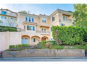 Photo of 4800 GALENDO Street, Woodland Hills, CA 91364 (MLS # SR18088899)