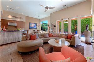 Photo of 941 ALEJO Vista, Palm Springs, CA 92262 (MLS # 18389948PS)