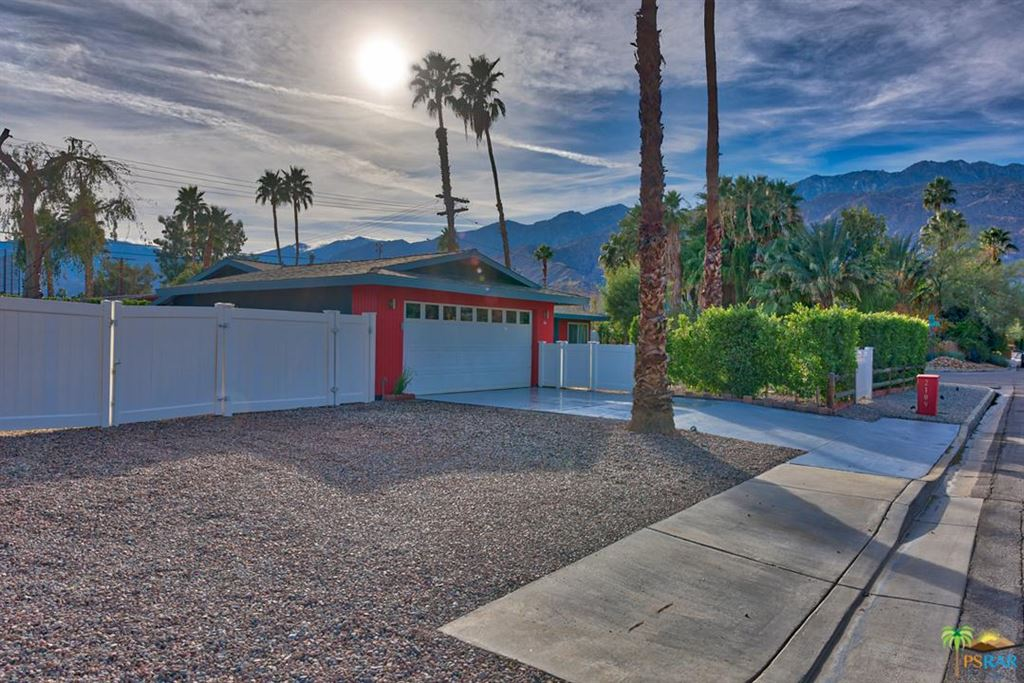 Photo for 2109 East PASEO GRACIA, Palm Springs, CA 92262 (MLS # 18303108PS)