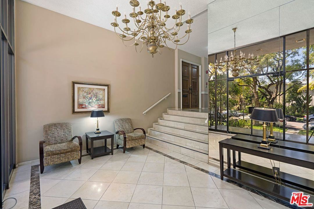 Photo of 423 North PALM Drive #307, Beverly Hills, CA 90210 (MLS # 20562904)