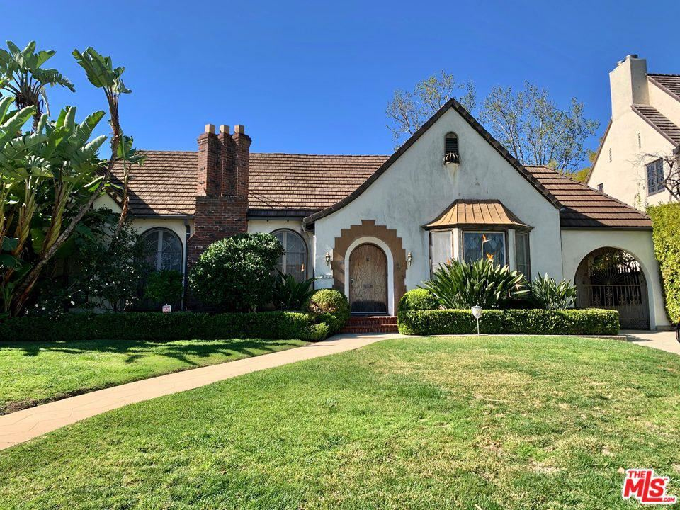 Photo of 521 North HILLCREST Road, Beverly Hills, CA 90210 (MLS # 20548908)