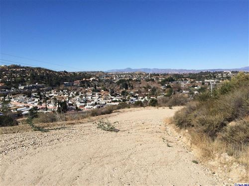 Photo of 25000 DE WOLFE Road #773, Newhall, CA 91321 (MLS # 319004913)
