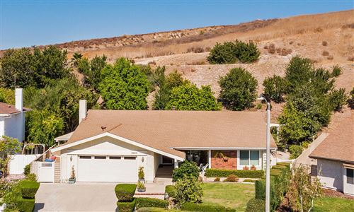 Photo of 2083 WOODGLEN Street, Simi Valley, CA 93065 (MLS # 219012917)