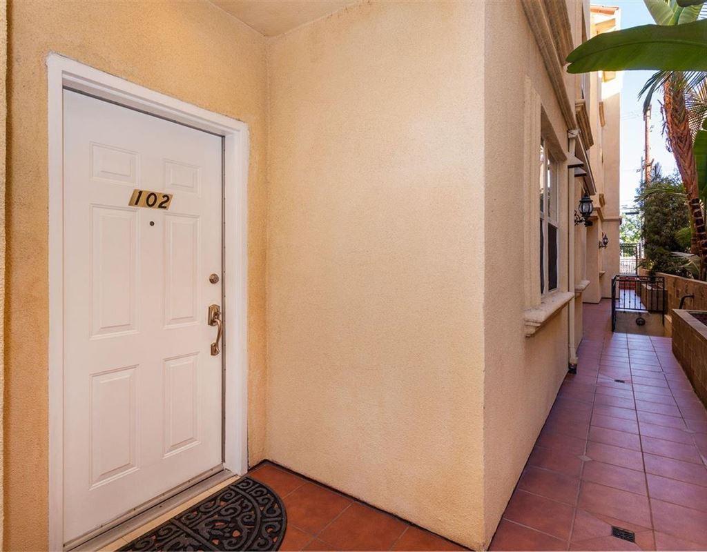 Photo for 574 East PALM Avenue #102, Burbank, CA 91501 (MLS # 318000918)