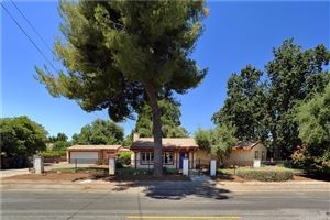 Photo of 5425 WOODLAKE Avenue, Woodland Hills, CA 91367 (MLS # SR19168920)