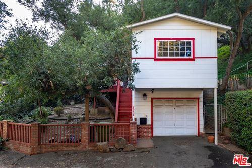 Photo of 9924 WESTWANDA Drive, Beverly Hills, CA 90210 (MLS # 19529922)