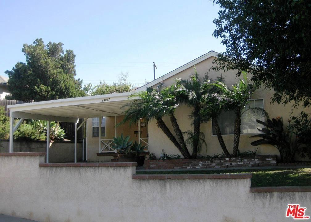 Photo of 13042 MORNINGSIDE Way, Los Angeles , CA 90066 (MLS # 20554924)