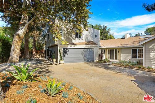 Photo of 400 South SALTAIR Avenue, Los Angeles , CA 90049 (MLS # 20566928)